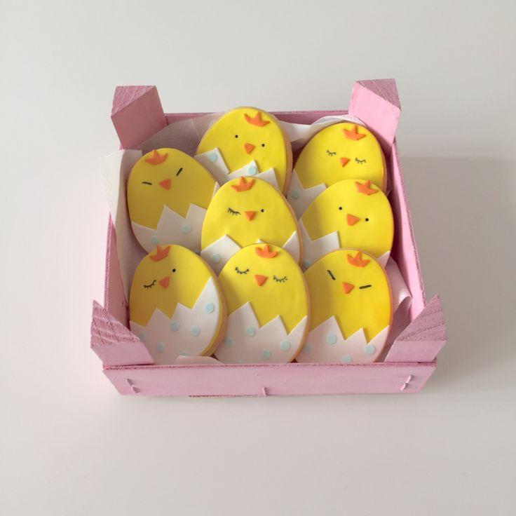 biscotti pasquali pulcini in pasta di zucchero Easter cookies
