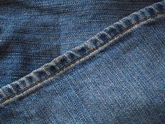 una spiegazione pratica e veloce per imparare a realizzare l'orlo dei pantaloni…