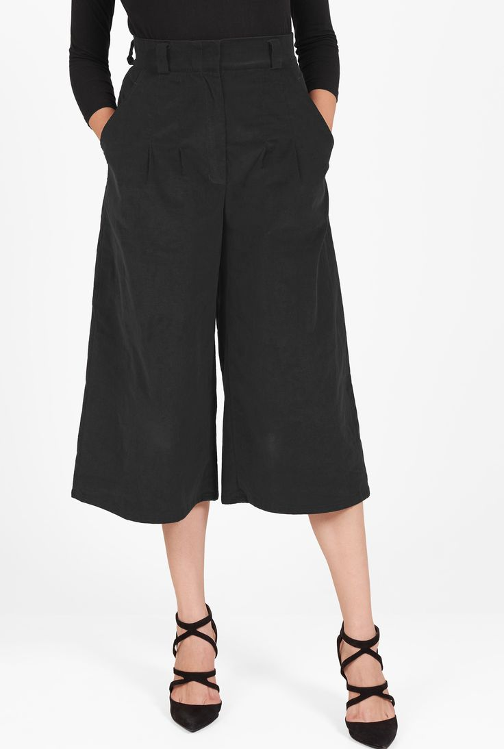 Front pleats add to the wide-leg cut of our high-waisted cotton cord pants to skirt-like proportions.