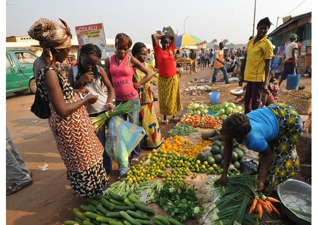 Promuovere la donna per lo sviluppo e la pace nel mondo