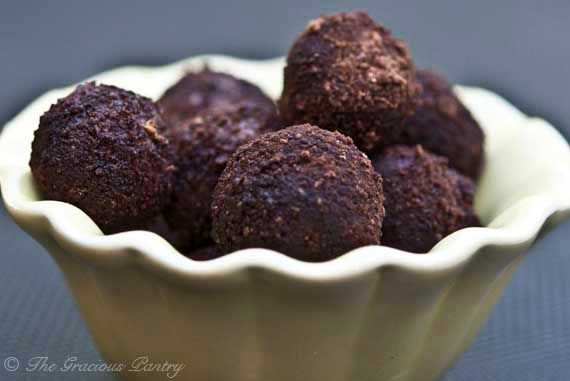 Clean Eating Jum-Jills (Energy Balls) 2 cups raw cashews 1 cup madjool dates pitted and packed tight topped with cocoa powder, or chia, or coconut