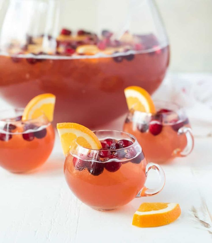 Sparkling Christmas Punch With Rum, Champagne, Cranberry