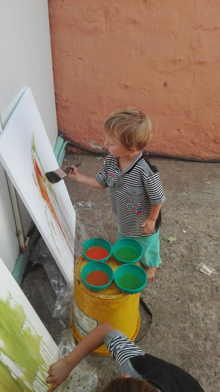Luan busy painting