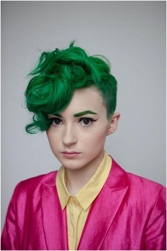 Κι αν σκεπτόμενοι πράσινα μαλλιά σας έρχεται στο νου η μάγισσα των παραμυθιών, η παρακάτω συλλογή θα σας αποδείξει ότι αυτό το παρεξηγημένο χρώμα μπορεί να είναι εντυπωσιακό!