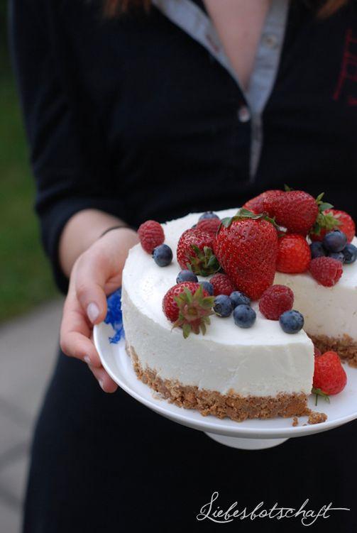 Liebesbotschaft: Cake Stands - give-away!