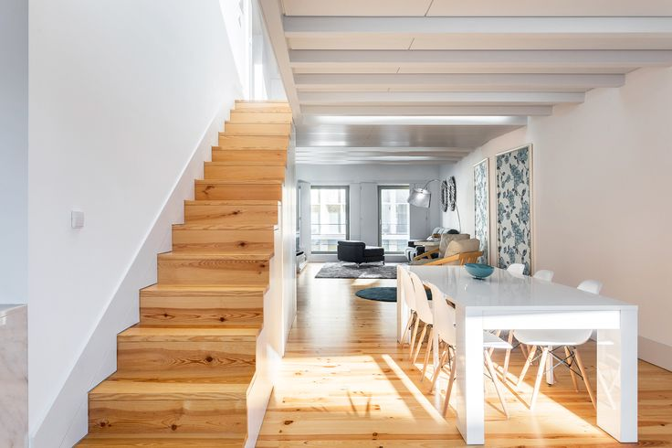 HomeLovers: dining room + stairs