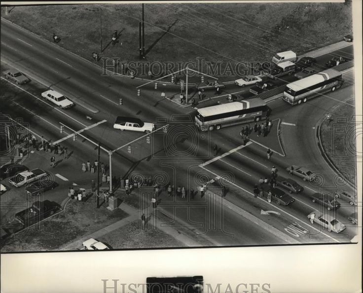 1983 Press Photo Aerial view of funeral procession for Alabama Coach Paul Bryant