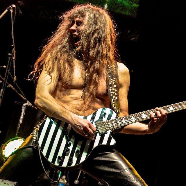 guitarist gone wild #axelritt #gravedigger #live #metal #leatherette #fakeleather #imitationleather #fameguitars #gitarrengurte
