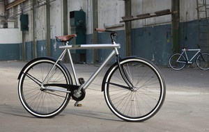 Vanmoof's goal is to help the ambitious city dweller worldwide move around town fast, confidently and in style. They stripped the traditional Dutch bike from redundant hoo-ha, and added sensibility instead. The result? Simplistically striking bikes so smooth that they fit your style demands, yet so functional they make you go to work whistling. The no-nonsense Vanmoof bike is the ultimate urban commuter tool winning numerous design awards around the world.: Design Products, Areaware Vanmoof, Bicycles, Bike Design, No Nonsense Vanmoof, Bike, Vanmoof Design, Vanmoof Bikes, Van Moof