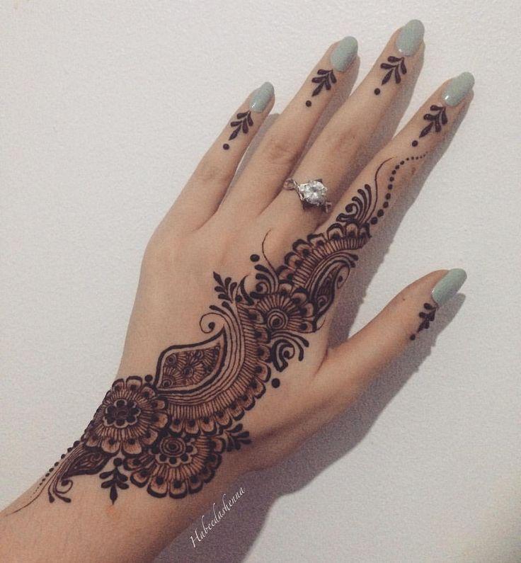 Les 100 meilleures images du tableau henna sur pinterest tatouages au henn mehndi au henn - Modele de henna ...