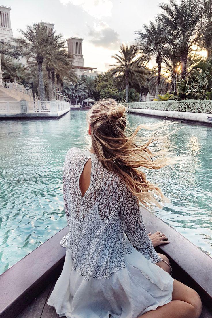 Floating into sunset, Dubai travel guide: http://www.ohhcouture.com/2017/01/dubai-travelguide/ | #ohhcouture #LeonieHanne