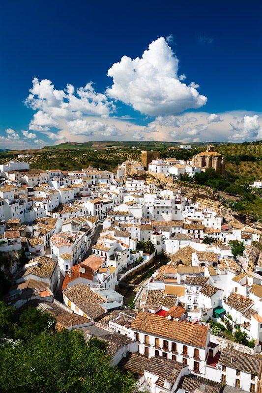 Setenil de las Bodegas, Pueblos Blancos (white villages) in Andalusia, Cadiz Spain