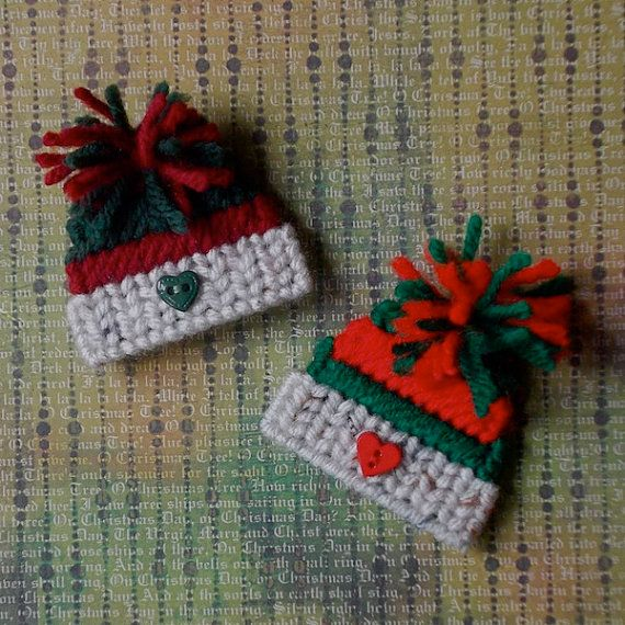 "Plastic Canvas: Mini Winter Hat Magnets (set of 2) -- ""Ready, Set, Sew!"" by Evie"