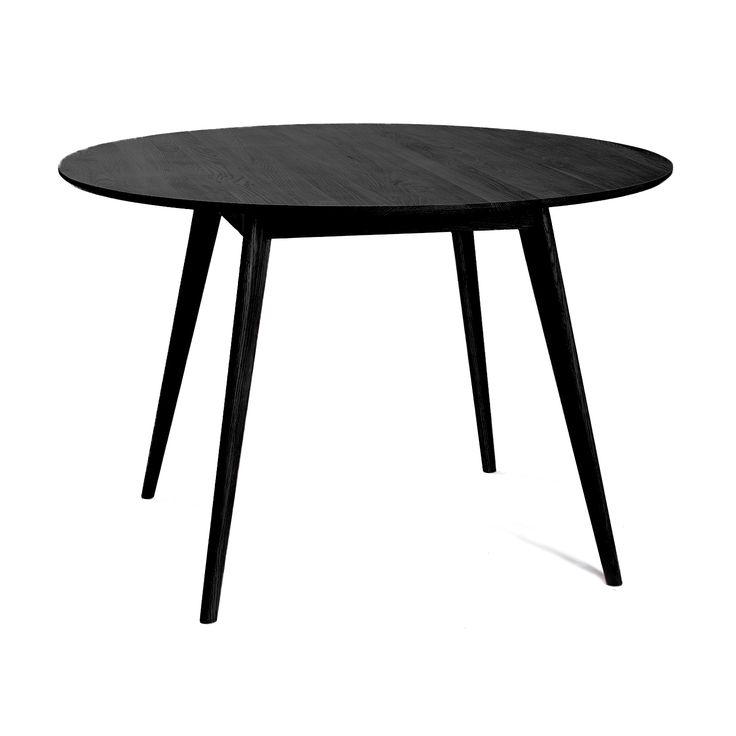 Nordik matbord i vitoljad ek från Select21. En stilrent och modernt bord med skandinavisk desi...