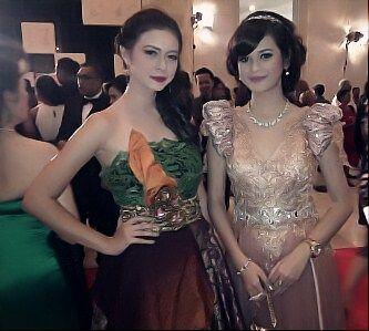 Yuki Kato dan Cut Meyriska - Miss World 2013
