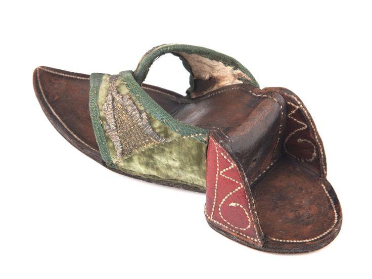 Men Shoe Fancy Metal Inlay