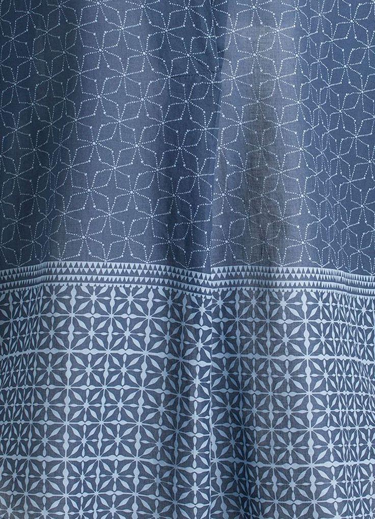 Stoffmuster inspiriert von marokkanischen Fliesen mit geometrischem Muster.
