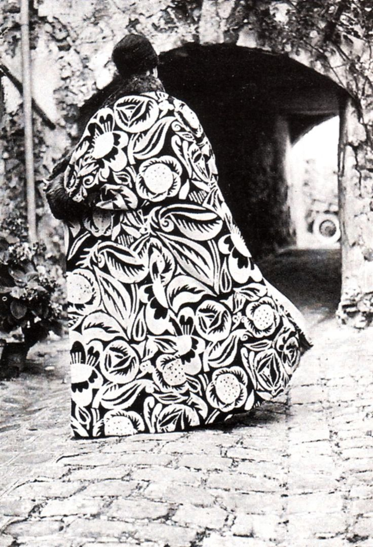 """Poiret's evening cape La Perse, 1911, made from a printed Dufy velvet.   """"Dufy's fabrics were like a ray of sunlight on a gloomy day; they were embraced by the fashion industry, giving it a note of fun and spontaneity that had not been seen before.""""  Sonia Delaunay, 1927"""