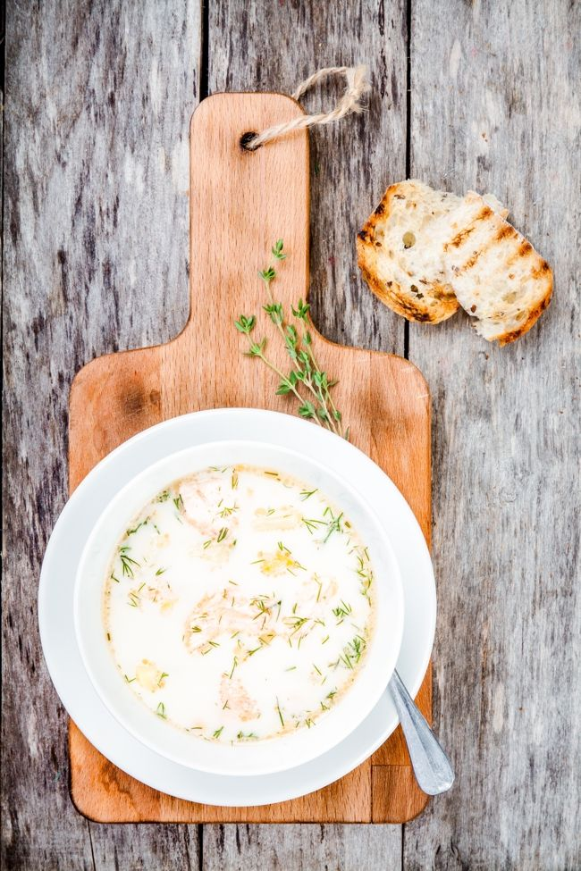 slow cooker smoked salmon potato leek soup. simple + delicious. 187 calories, 4 weight watchers smart points. http://simple-nourished-living.com/2016/03/slow-cooker-smoked-salmon-potato-leek-soup-weight-watchers/