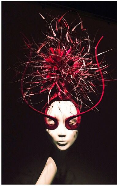 """""""HATS IN THE 21ST CENTURY"""". SOLO EXHIBITION BY PHILIP TREACY IN EARLY FEBRUARY ERARTA WILL PRESENT A SOLO EXHIBITION BY THE WORLD'S ONLY HAT EXPERT HAUTE COUTURE. """"HATS IN THE 21ST CENTURY"""" WILL BECOME THE LARGEST EXHIBITION BY THE FAMOUS DESIGNER OVER THE LAST 25 YEARS."""