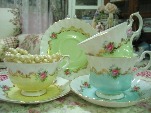 Tea always tastes better in a pretty little tea cup.Pretty Teacups, Teacups Soul