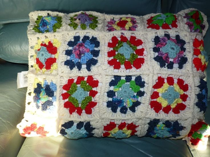 Throw Pillows For Twin Bed : knitted winter scene blanket throw for couch/ twin/full bed & Pillow sham match crochet and ...