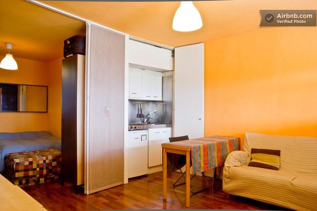 Apartment across the beach  in Barcelona da $95 per notte