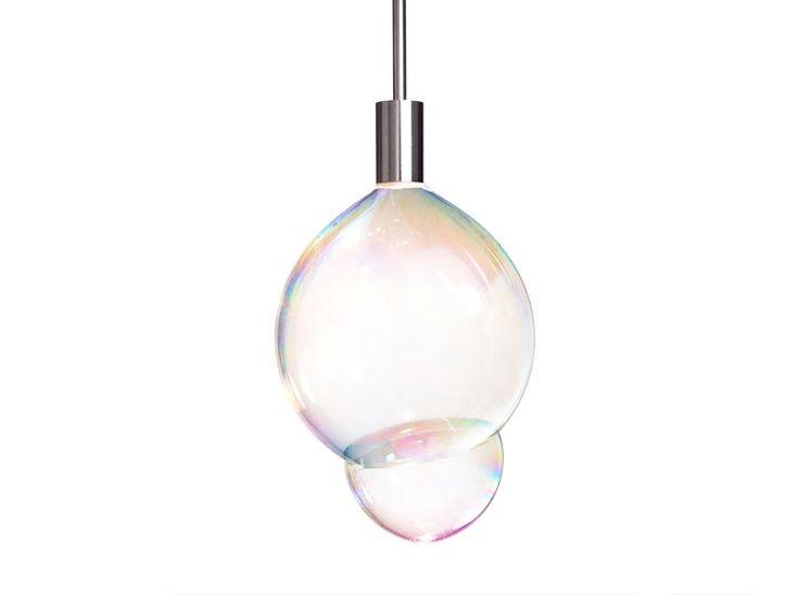 La Surface Tension Lamp est une jolie lampe qui utilise des bulles de savon comme abat-jour éphémère ! Imaginée par les designers du studio Front Design, c