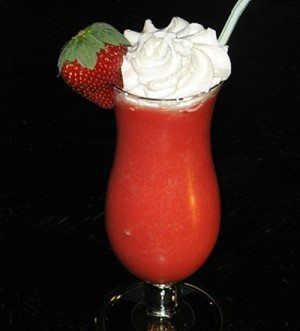 Ingredients  6 oz. Rum (clear) 2 oz. Strawberry Pucker 1.5 cups Master of Mixes Strawberry Daiquiri MixRead more ›