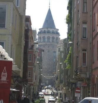 Living like a local, Allison Foat soaks up Istanbul's atmosphere.