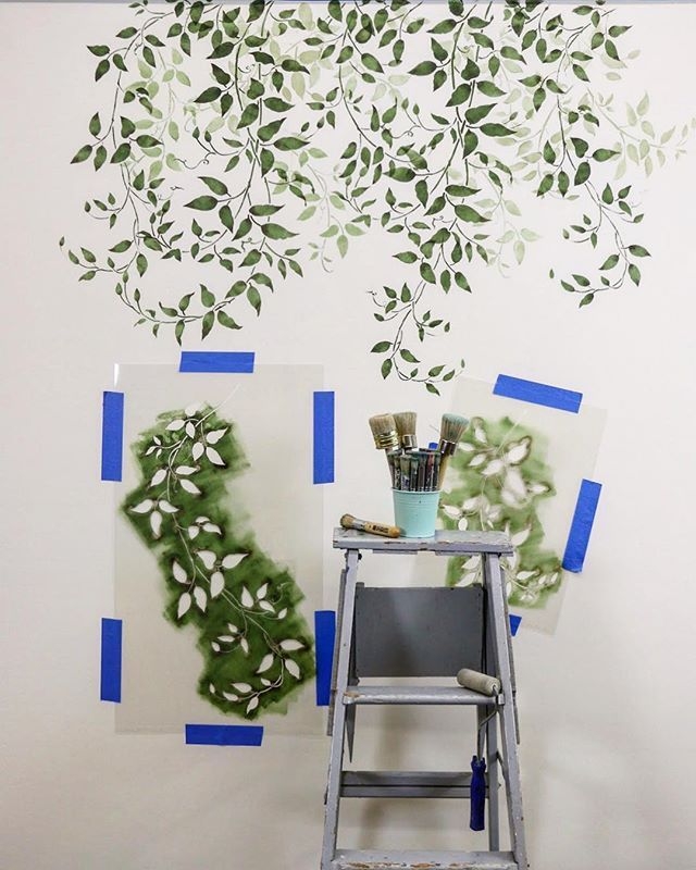 Diy Painted And Stenciled Greenery And House Plants On An Accent Wall Using Easy To Use Botanical Plant Ste Wall Murals Diy Wall Stencils Diy Diy Wall Painting