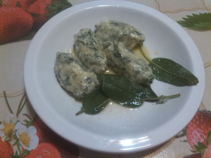 #ignudi: cottage cheese(ricotta), flour, spinach and cheese