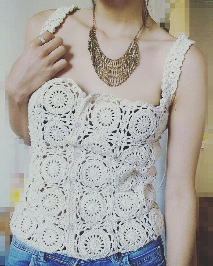 Hermosa Polera a cuadros   a crochet. Sigueme en Instagram y Facebook como MayerTejidos