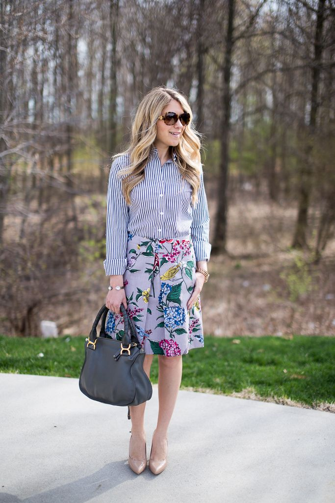 This botanical printed skirt is everything, especially when paired with stripes...click through for outfit details!