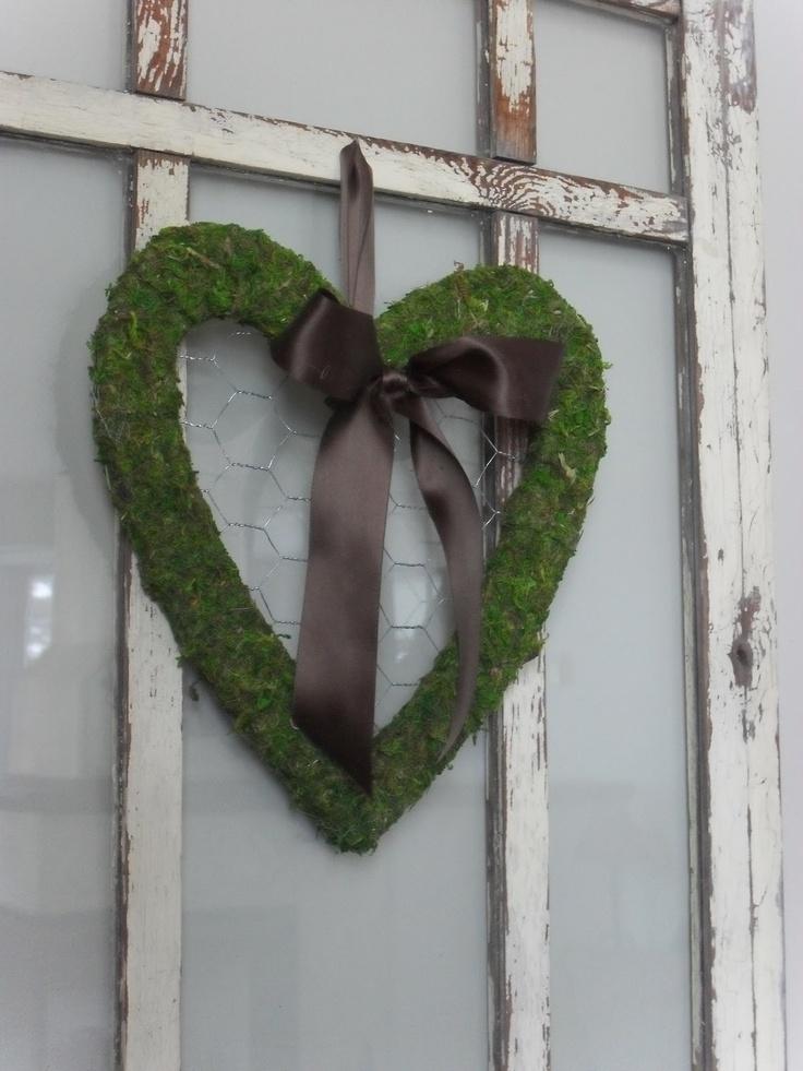 Home Frosting Blog. cute. with tutorial.: Heart Wreaths, Booths Ideas, Moss Heart, Moss Wreaths, Diy Ideas Crafts, Crafts Ideas 2, Blog Site, Frostings Blog, Heart Frame