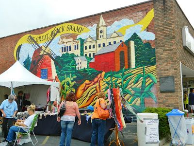 Black Swamp Arts Festival this weekend in Bowling Green.  http://ohiofestivals.net/black-swamp-arts-festival-bowling-green/