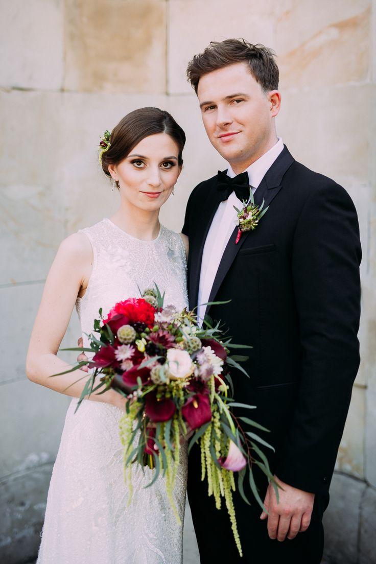 marsala wedding / bridal bouquet / florystyka ślubna w kolorze marsala / fot. Bajkowe Śluby