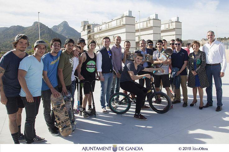 Otra promesa más cumplida. Los jóvenes de Gandia ya cuentan con un nuevo y amplio Skate Park