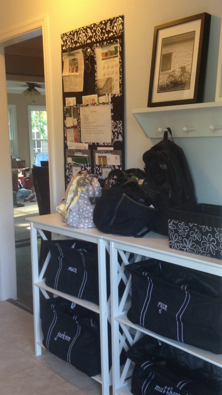 Thirty-One entryway...Organize everything with Thirty-One! You can shop at www.mythirtyone.com/jackiebrannon