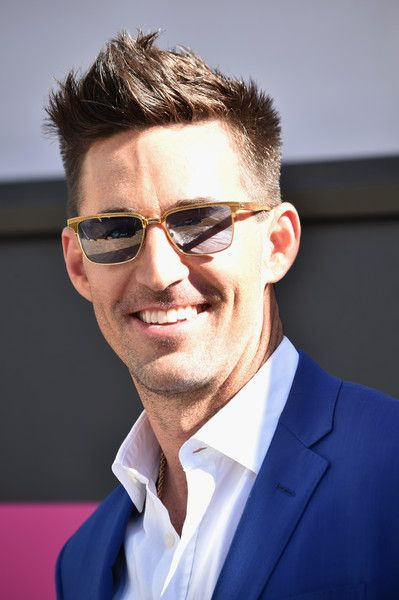 Jake Owen Photos Photos - Recording artist Jake Owen attends the 52nd Academy Of Country Music Awards at Toshiba Plaza on April 2, 2017 in Las Vegas, Nevada. - 52nd Academy of Country Music Awards - Arrivals
