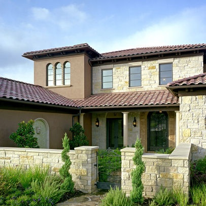 Mediterranean home entry design ideas pictures remodel for Homes with front courtyards