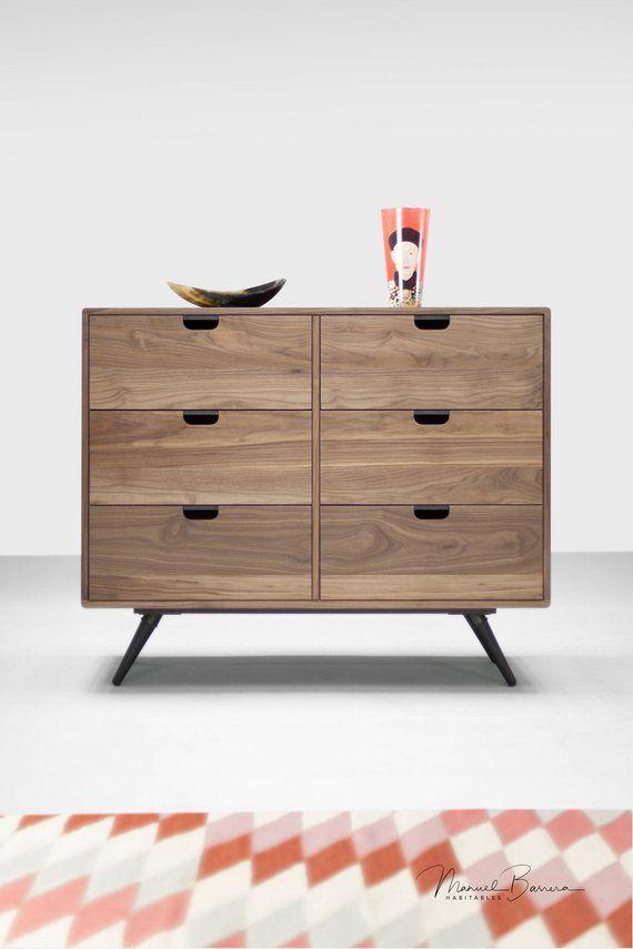 Dresser Kommode Oder Credenza In Eiche Nussbaum Massivbrett Stil Modern Mitte Jahrhundert Modernes Mobeldesign Eiche Modern