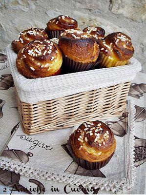 #kanelbullar http://amichecucina.blogspot.it/2013/12/re-cake-swedish-cinnamon-rolls.html