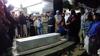 Koran Online Pekalongan Dan Sekitarnya: Kedatangan Jenasah TKI Korban Kapal Karam Di Malaysia Disambut Tangis Histeris Keluarga
