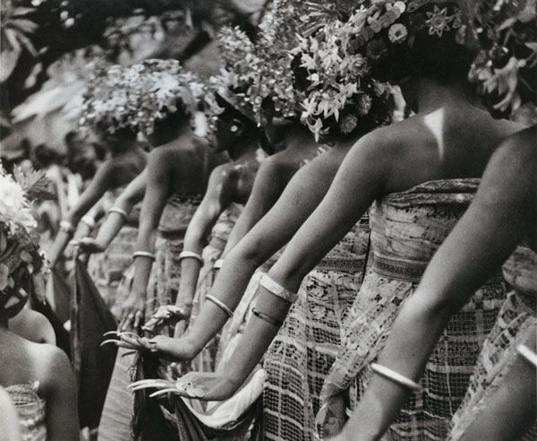Walter Spies  Balinese women at Tenganan dancing the Rejang, 1936.
