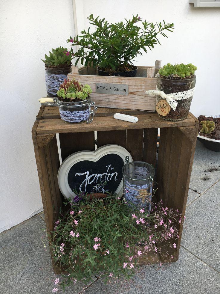 Gartendekoration – Obstkiste #kiste #dekoration #frucht #garten