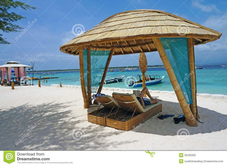95 best ideas for the house images on pinterest bamboo for Beach hut ideas