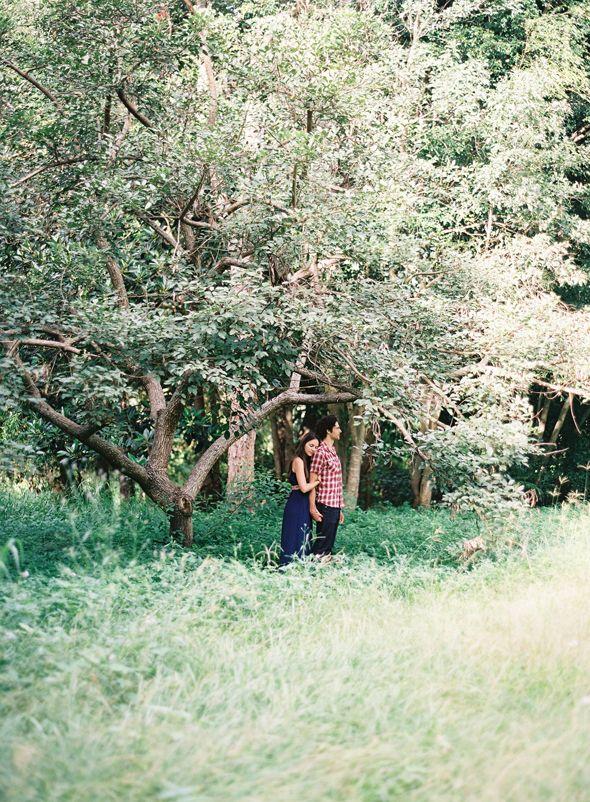 a brisbane engagement. film wedding photos by Byron loves Fawn.