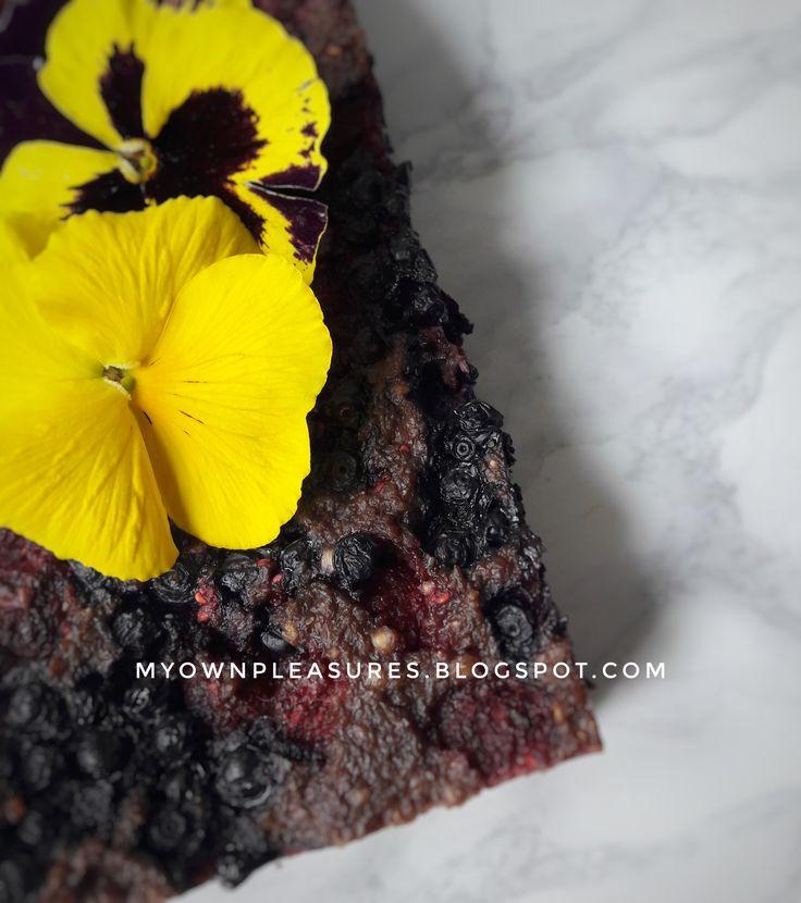 Brownie z kaszy gryczanej z owocami jagodowymi przepis