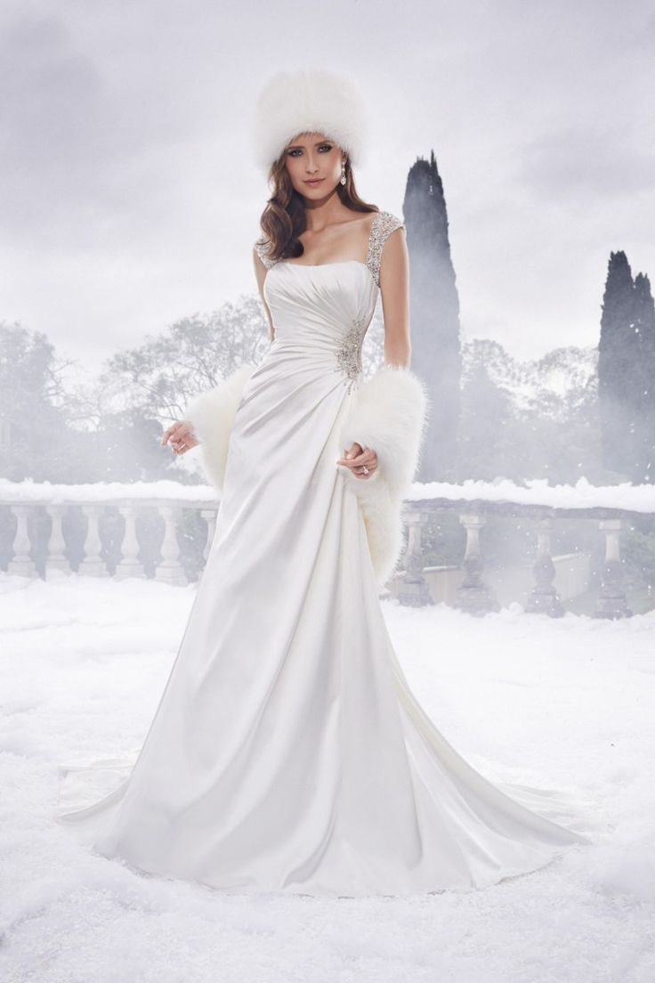 Wedding Dress 8670 - Dominique Levesque Bridal